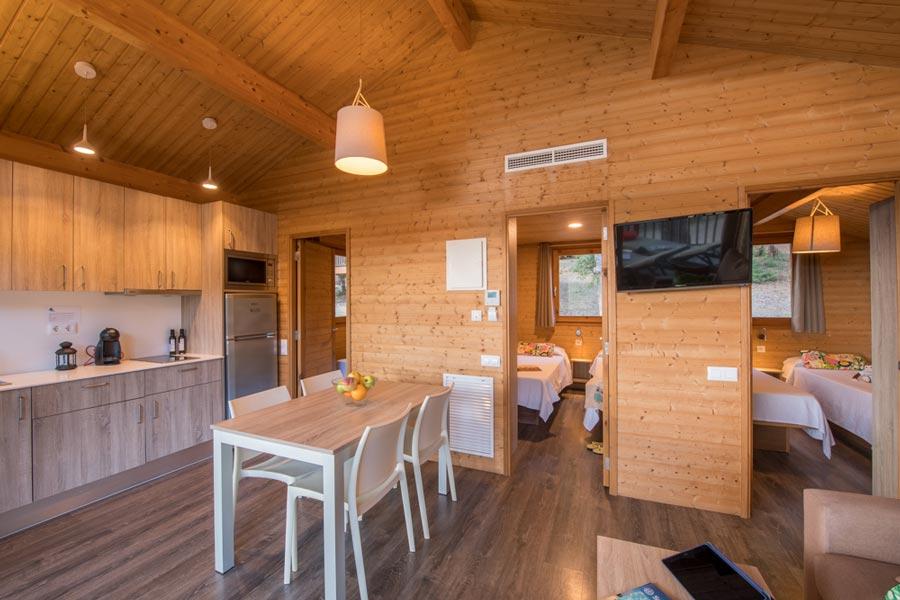 Miete Holzchalet für 6 Personen mit Terrasse: 51 m², 3 ...