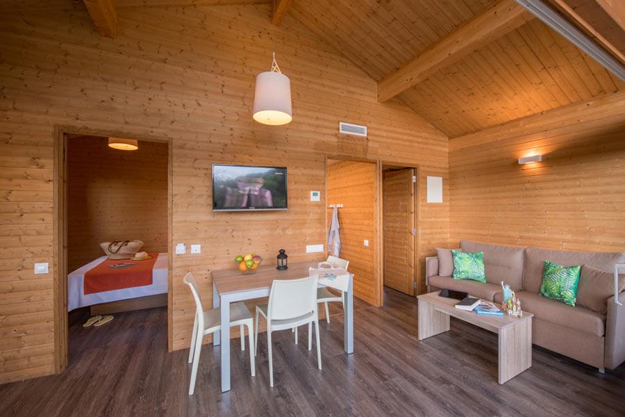 Vermietung von Holzchalets für 4 Personen, 43 m² mit eigener ...